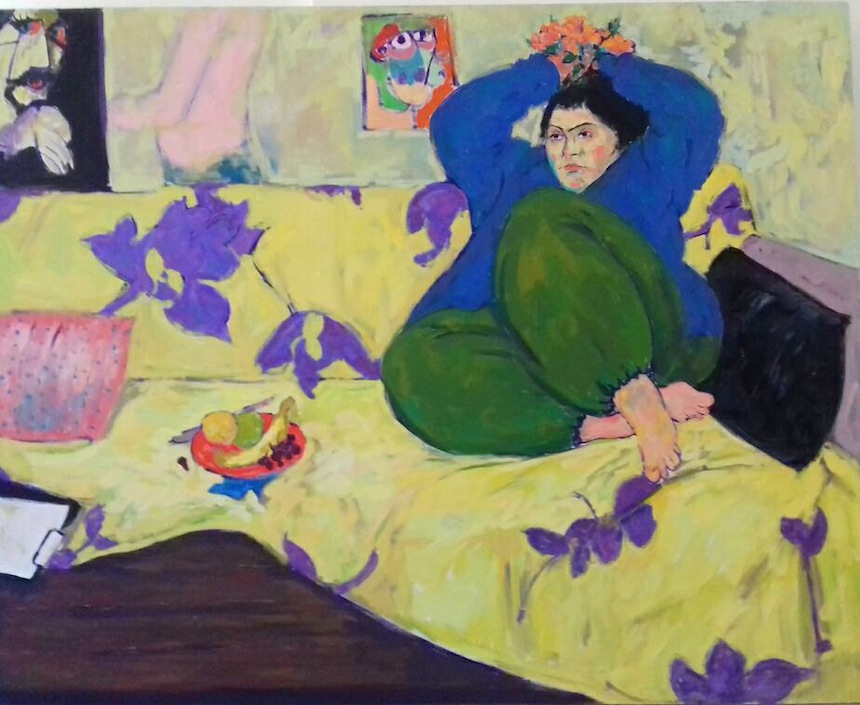 Anas Albraehe, Manal in Studio, 2016, olio su tela, 150x120 cm. Courtesy of Anas Albraehe