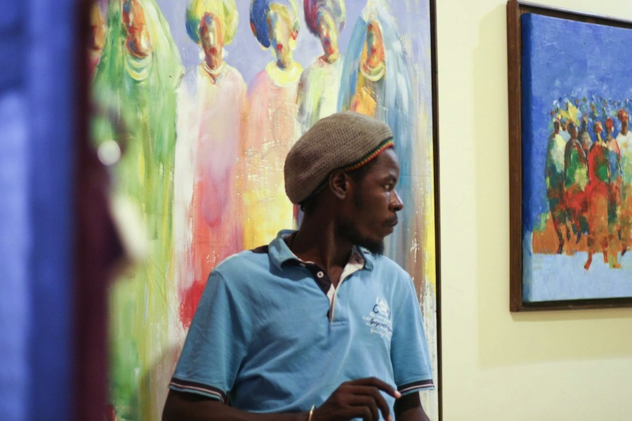Almoghera Abdulbagi fotografato da Ibrahim Mohammed. Courtesy of Africa Is Now