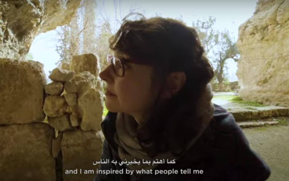 Un fotogramma dal video di Art Dubai con Nadia Kaabi-Linke. Courtesy of Art Dubai